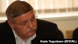 Ученый-синолог Константин Сыроежкин. Алматы, 14 ноября 2012 года.