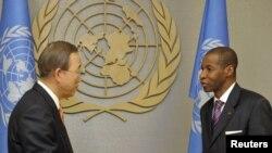 Ivory Coast's UN Ambassador Youssoufou Bamba (right) presents his credentials to UN Secretary-General Ban Ki-moon at UN headquarters in New York.