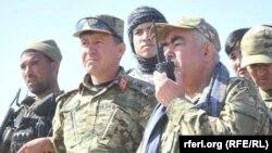 Абдул Рашид Дустум (справа), вице-президент Афганистана. Провинция Фарьяб, 27 февраля 2016 года.