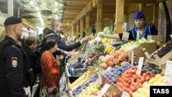 Полицейские рейды на Матвеевском рынке