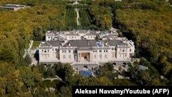 """""""Дворец Путина"""" из расследования Алексея Навального"""