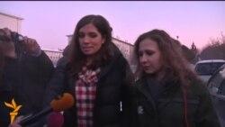 Учасниці Pussy Riot зустрілися після звільнення
