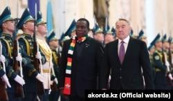 Зимбабве президенті Эммерсон Мнангагва мен Қазақстан президенті Нұрсұлтан Назарбаев. Астана, 21 қаңтар 2019 жыл.