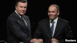 Тодішній президент України Віктор Янукович (ліворуч) і олігарх Віктор Пінчук. Дніпропетровськ, 2012 рік (ілюстраційне фото)