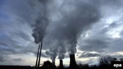 Падот во секторот енергија во април годинава во однос на истиот месец минатата година е 27,4 отсто.