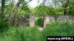 Одна из «народных троп» на Малахов курган