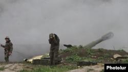 Таулы Қарабақтағы армян әскері. 3 сәуір 2016 жыл. (Көрнекі сурет)