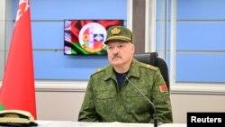 În țara condusă de Alexandr Lukașenko cetățenii care pun la îndoială acțiunile statului, fie și pe Facebook, pot fi arestați.