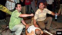 Два взрыва в Турции унесли жизни 17 человек