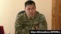 74/261 әскери бөлім командирінің орынбасары Жандарбек Түлеуов. 24 сәуір 2013 жыл.