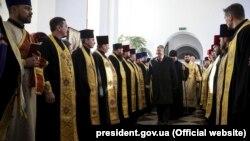 Президент Украины Петр Порошенко во время встречи со священниками в Хмельницком, 30 ноября 2018 года