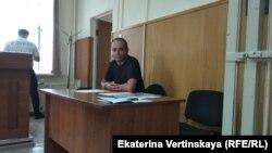 Гражданский активист Захар Сарапулов на заседании суда