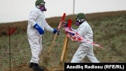 Ադրբեջանցի ականազերծողներն աշխատում են Ֆիզուլիի շրջանում, նոյեմբեր, 2020թ.