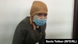 Айыпталушы Лейла Смадьярова Атырау қаласындағы №2 қылмыстық істер сотында отыр. 7 ақпан 2017 жыл.