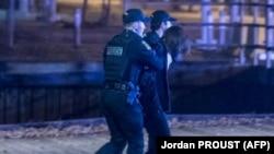 Полиция города Квебек задерживает подозреваемого, 1 ноября 2020 г.