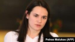 Науседа висунув кандидатуру Тихановської, яка перебуває в Литві відтоді, як їй довелося виїхати з Білорусі, «щоб продемонструвати свою підтримку білоруського демократичного руху і вимоги про проведення вільних виборів», сказало одне з джерел