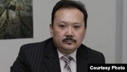 Дүкен Мәсімханұлы, қытайтанушы, Еуразия университетінің профессоры