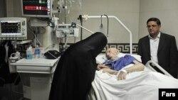 محمد محمدی گیلانی در بیمارستان
