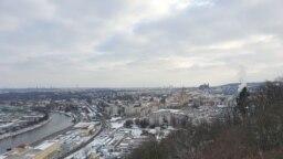 """Prága persze egyébként sem csúnya város, egy kis fehérséggel megszólva pedig talán még szebb. Ez a fotó """"Budáról"""" készült"""