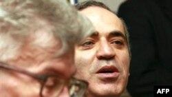 Гарри Каспарову и Эдуарду Лимонову не дали принять участие в «Марше несогласных» в Самаре