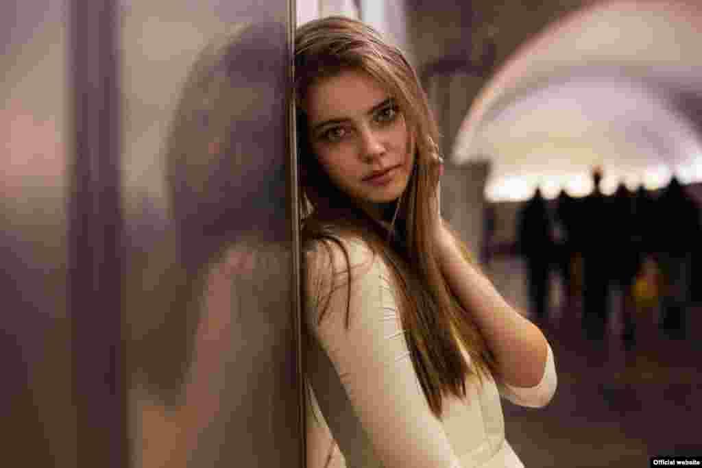 """Кристина, жительница Москвы,фотопроект """"Атлас красоты"""" (Atlas of Beauty) Микаэлы Норок."""