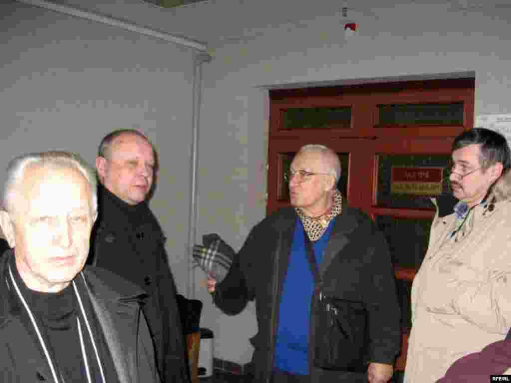Паплечнікі журналіста Аляксандра Зьдзьвіжкова ў судзе, 11 студзеня