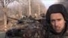 Британский блогер Грэм Филлипс на фоне российских танков Т-72Б3.