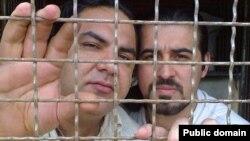 دکتر فیروزی (چپ) در کنار احمد باطبی