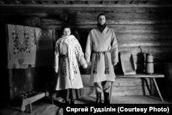 Натальля і Дзяніс Найдзёнавы. Фота Сяргея Гудзіліна