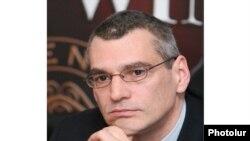 Տարածաշրջանային ուսումնասիրությունների կենտրոնի տնօրեն Ռիչարդ Կիրակոսյանը: