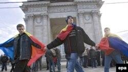"""Идея """"великой Румынии"""" по-прежнему находит в Молдавии горячих сторонников"""