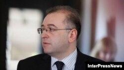 Коба Гвенетадзе заверил журналистов, что будет открыт для общения и сделает все от него зависящее для сохранения макроэкономической стабильности в стране