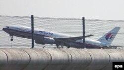 «Боїнг-777» відлітає з Амстердама, 17 липня 2014