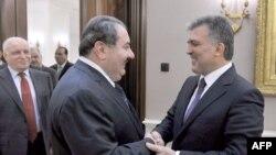 Ахмет Давутоглу со својот ирачки колега Хошијар Зебари