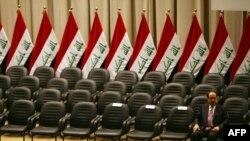 رئيس الوزراء نوري المالكي قبل التصويت على حكومته الناقصة