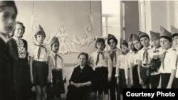 Встреча Ксении Лакоба с пионерами