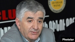 Armenia - Samvel Harutiunian, a dissident member of the opposition Armenian National Congress, at a news conference, 6Mar2012.