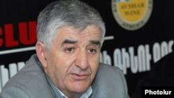 Armenia - Samvel Harutiunian, a dissident member of the opposition Armenian National Congress, at a news conference, 6Mar2012.