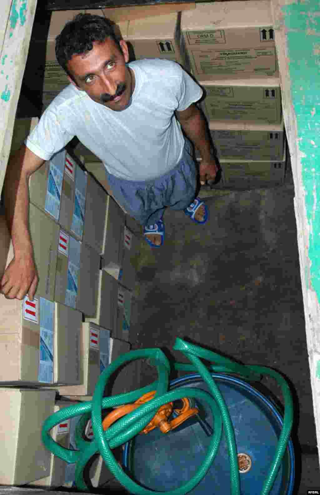 U.A.E, Iranian sailors in Dubai, 05/07/2007