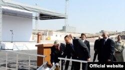 Prezident İlham Əliyev «Qaradağ Sement» ASC-də yeni sobanın təməlqoyma mərasimində, Bakı, 14 aprel 2009