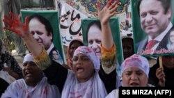 Pamje nga protestat ku është kundërshtuar dënimi i Nawaz Sharif me burgim.