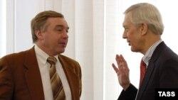 Valeri Nesterușkin cu ambasadorul William Hill la o întîlnire la Tiraspol
