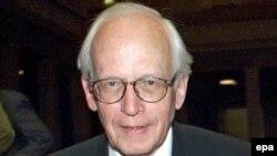 Тарихшы, философ, соғыстан кейін фашизмді зерттеушілердің бірі Эрнст Нольте.