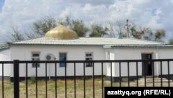 У сельской мечети в Актюбинской области.