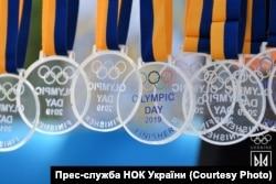 Чемпіонські нагороди отримували усі учасники забігу