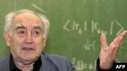 Лауреат Нобелевской премии Виталий Гинзбург