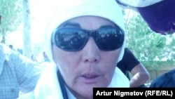 Наталья Ажигалиева в бытность лидером стачкома бастующих нефтяников Жанаозена. 1 сентября 2011 года.
