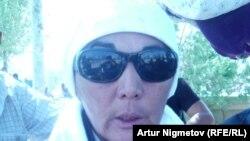 Ереуілші мұнайшылардың жетекшісі Наталья Әжіғалиева. Жаңаөзен, 1 қыркүйек 2011 жыл.