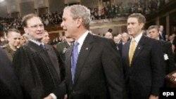 Буш покидает Капитолий