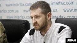 Звільнений з-під варти прикордонник Сергій Колмогоров під час прес-конференції. Київ, 7 листопада 2017 року